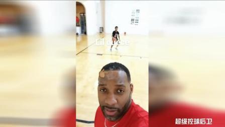 麦迪直播儿子打篮球! 球性可以, 这小子将来也会是一名超巨!