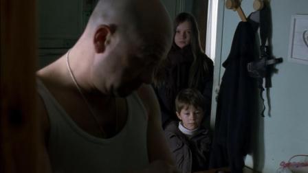 泰奥的耳朵被勒穆瓦纳打破,瓦尔特的伤势被儿女看见