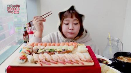 韩国大胃王杨慧吃寿司、乌冬面, 这吃相真是陶醉