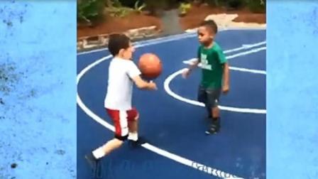 N*A球星儿子打篮球视频, 单挑1V1, 跟他老爸动作好像啊