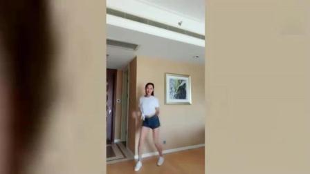 世界杯来了 女朋友发来一段自拍热舞视频, 果然