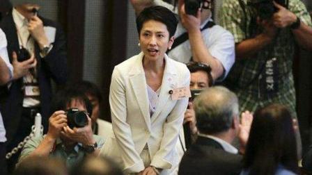 日本唯一一个华裔国会议员, 美丽大方, 写真集风靡一时