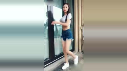 女朋友自拍热舞, 说什么以后不能让她再跳了
