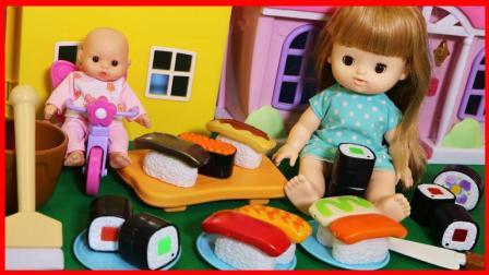洋娃娃与神奇的遇水会变色的寿司玩具! 622