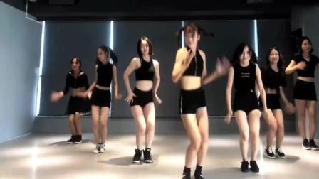一群美少女的舞蹈 超火《燃烧我的卡路里》