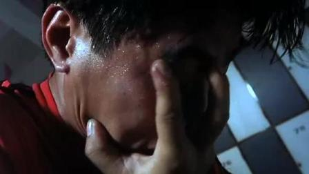 周星驰电影《新精武门1991》(6)刘晶以为师父是被自己打死的, 无心应战, 甘愿挨打!