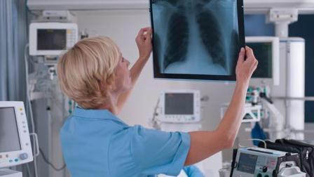 医院废弃150000张X光片就能提炼60斤银块, 网友: 发