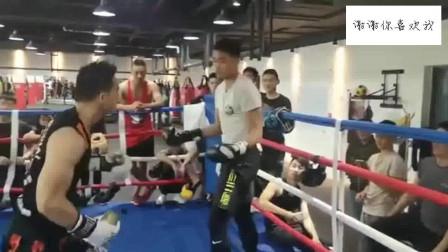 搏击教练和职业拳击视频