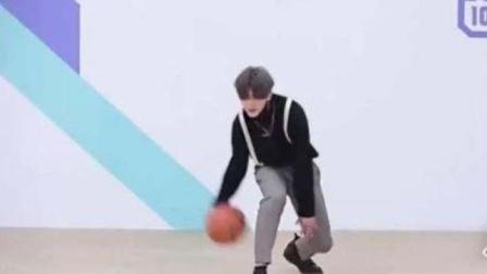 蔡徐坤篮球打得怎样?看这个视频,你说他配不配n*a形象大使?