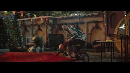 《疯狂外星人》沈腾反应太快了,为了讨好外星人骑自行车,对黄渤一通埋怨