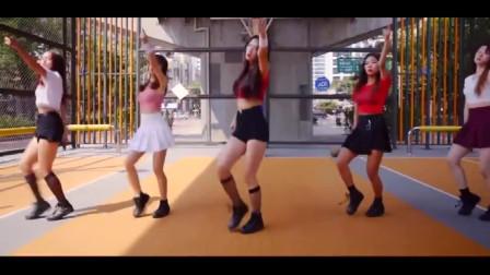 """韩国美女练习生,翻跳舞蹈""""串烧"""",舞姿很帅"""