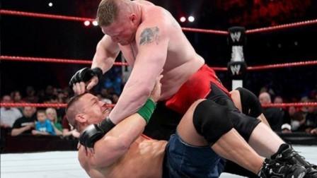 布洛克将UFC的招数用到娱乐摔角中 对手被肘击成