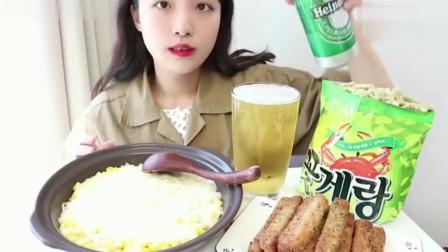 韩国美女Nado吃播:午餐就吃芝士玉米饭和午餐肉