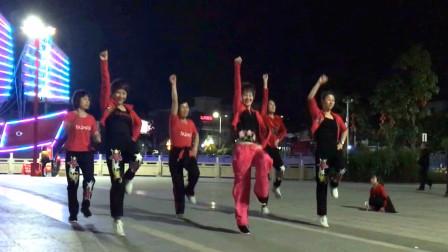 5分钟学会这个动感时尚的《减肥瘦身操》每晚跳