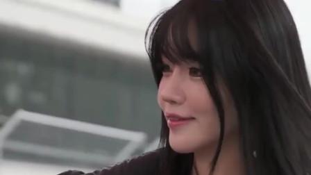 韩国性感美女车模,刘海长发小姐姐,冒雨撑伞