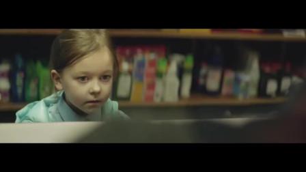 创意广告:一片巧克力值多少钱?小姑娘真暖心
