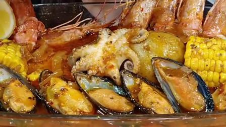 吃货美女吃海鲜锅,小章鱼Q弹鲜嫩,青口很肥美,直接用手拿