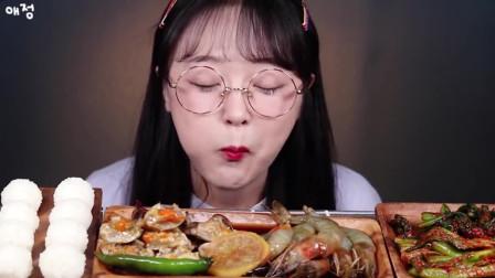 韩国大胃王:美女吃醉虾+生腌螃蟹,蟹膏虾膏超