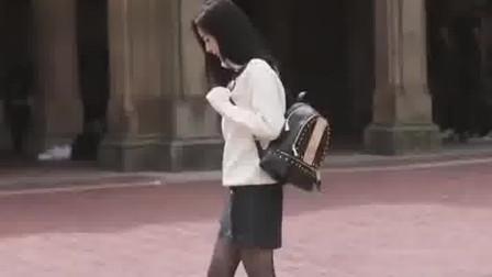 杨幂真的有美腿?看到她没修的照片,网友:向