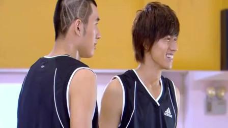 篮球火:元大鹰回来了,队友们的眼神充满惊喜