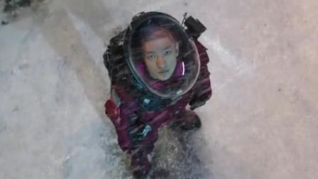 导演称《流浪地球》命好,评中国科幻幼儿园水