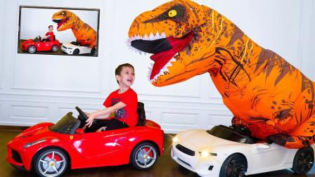 萌娃搞笑视频 小正太和霸王龙开汽车,哇!霸王