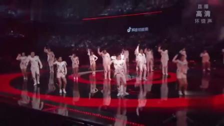 张靓颖《808》劲歌热舞,全场被燃炸了!