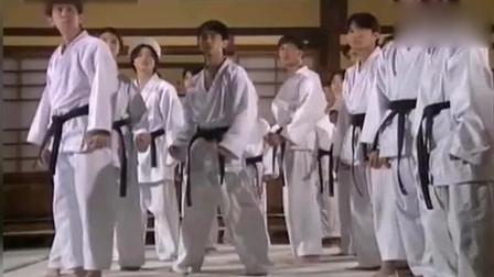 精武门:陈真霸气挑战,将东亚病夫还给日本人