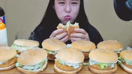 吃播大胃王:韩国美女吃汉堡包, 满满一桌, 她可