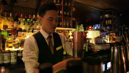 河内还剑湖古街小酒吧,老外和当地人都喜欢的