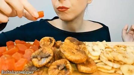 外国美女吃播:这无花果真的超美味糯叽叽的!