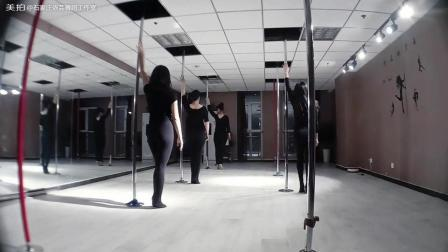 空中地面舞蹈, 钢管舞。管周围的舞蹈