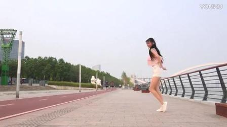 江边 学跳鬼步舞_高清—体育—视频高清在线观看
