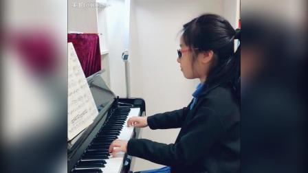 翻看一个月前的弹奏~^_^心里有音乐, 多么美