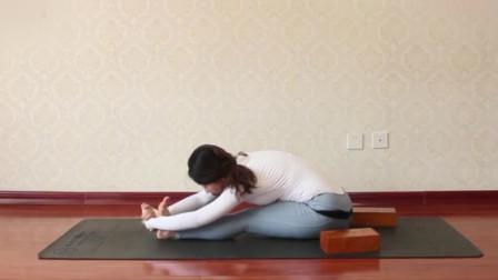 减脂美腿的瑜伽体式 修饰出好看腿型
