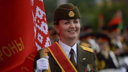 中国人民解放军三军仪仗队参加白俄罗斯阅兵 白俄媒体赞不绝口 ...