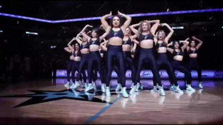 美女啦啦队,舞蹈动作,超整齐!