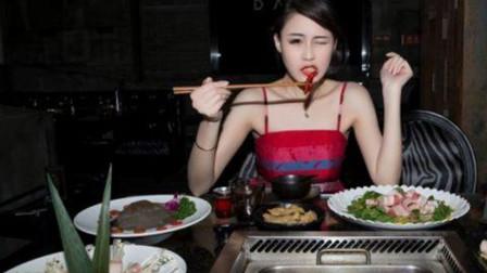韩国美女跟父母来中国旅游,才刚到四川就哭了