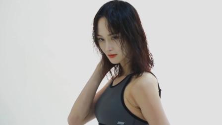 韩国清纯姐姐写真拍摄花絮,一颦一笑尽显可爱