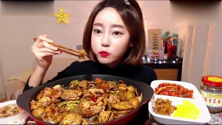 韩国美女吃播吃中式麻辣香锅,第一口开始就停