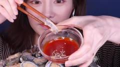 韩国美女吃货主播,吃一盆鲍鱼,这么多能吃完