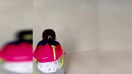 搞笑视频:小宝宝们都太逗了