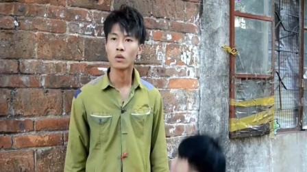广西老表搞笑视频:许华升捡垃圾,带黄汝富发