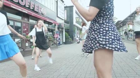 韩国美女街头现代舞即兴表演,pitbull的说唱真是