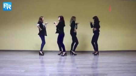 俄罗斯美女学生跳韩国辣舞,充分发挥自己的自