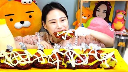 韩国美女吃一桌大鸡腿,几口吃一个,真过瘾!