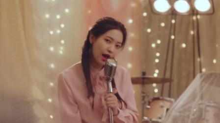 韩国美女写真拍摄花絮,歌声优美笑容甜美,网