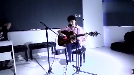 TFBOYS排练:贝斯吉他,玩音乐的少年就是酷!