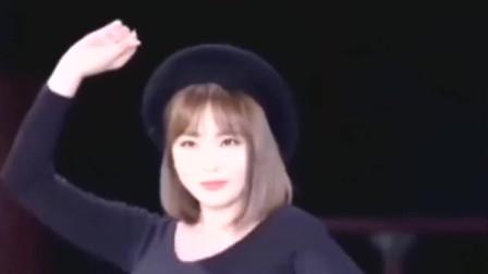 韩国女明星洪真英,这是她的演唱会吗扭得真可