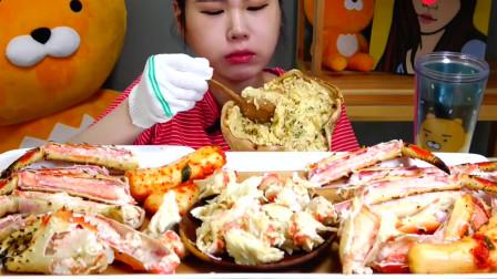 韩国妹子吃帝王蟹,女汉子的食量就是猛,这食